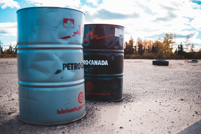 Alberta lifts curbs in oil production