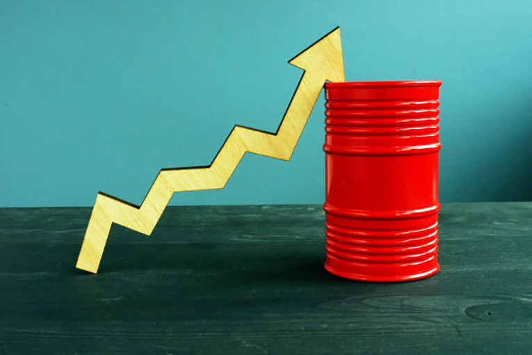A-Robust-Recovery-Light-Crude-Oil-Settles-Above-70-a-Barrel.jpg