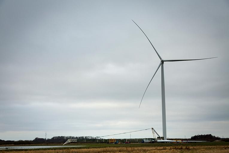 Vestas-receives-145-MW-order-from-Leeward-Renewable-Energy.jpg
