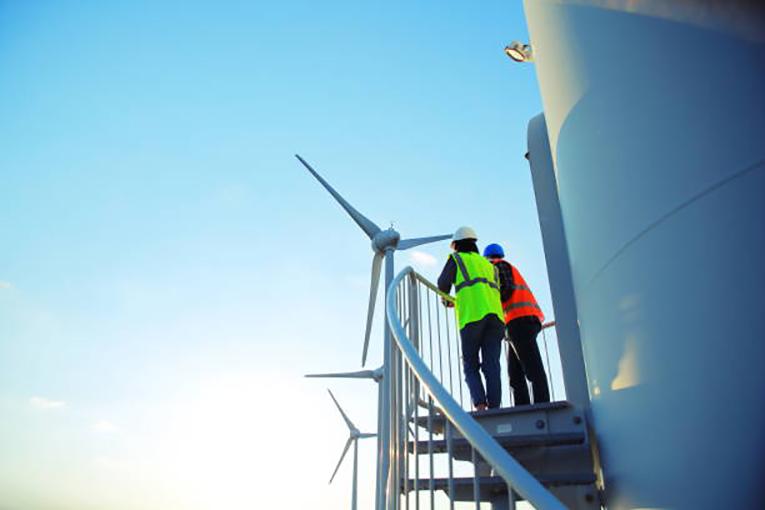 ComEd-helps-create-clean-energy-jobs-in-Illinois-through-training-programs.jpg
