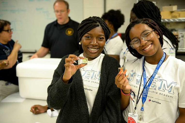 Exelon-Foundation-launches-Women-in-STEM-Hybrid-Leadership-Academy.jpg