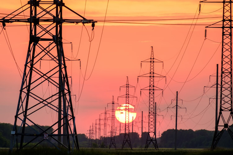 Northwest-Territories-invest-in-new-transmission-line-project.jpg